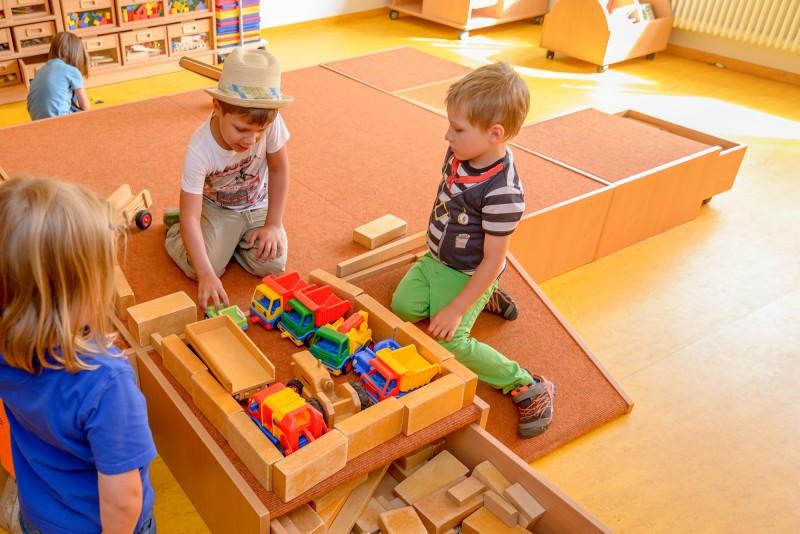 Spielen im Bauraum - jeden Tag sieht's hier anders aus.